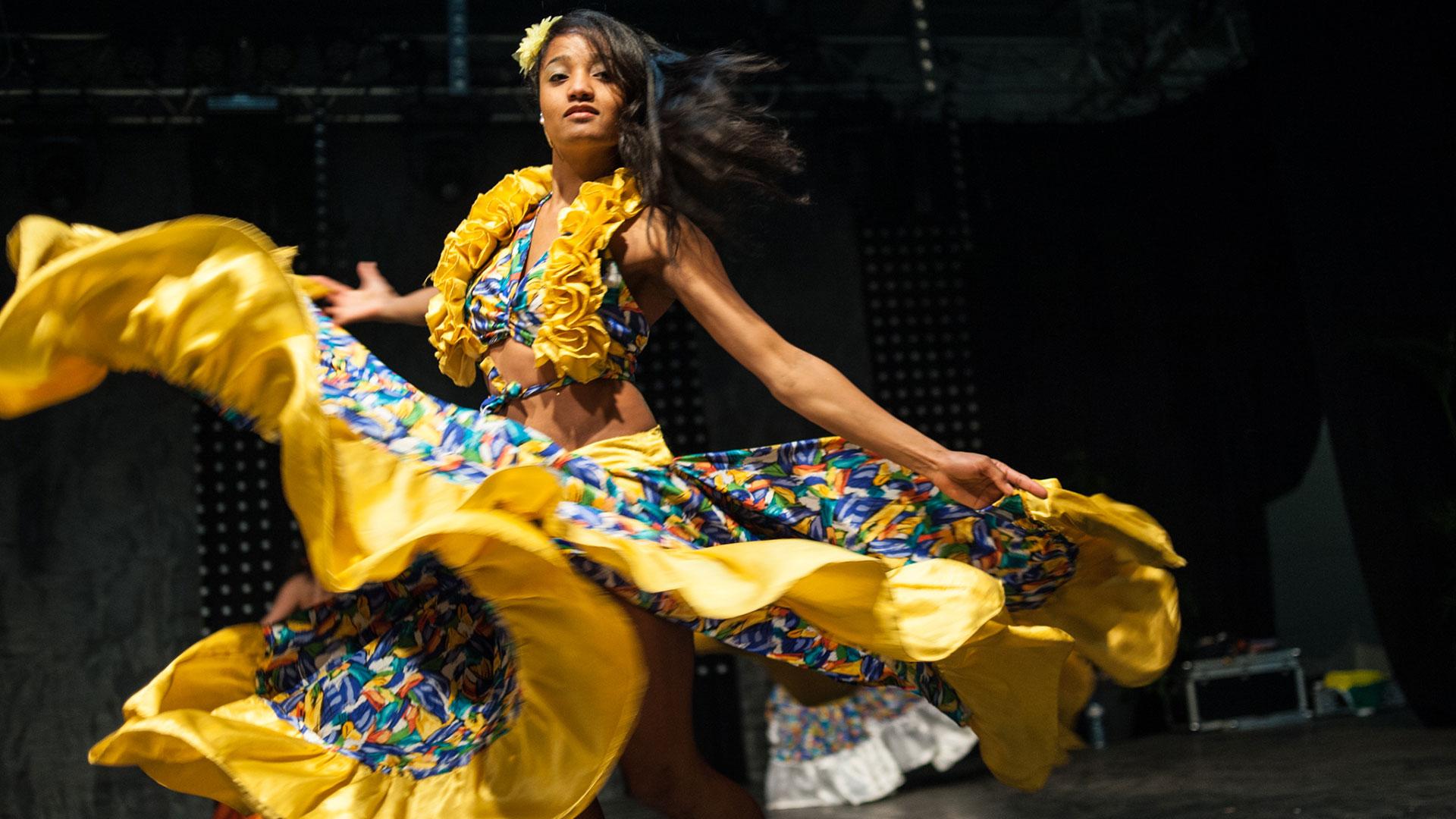 paulo-lobo-danseuse-festival-clae-2014